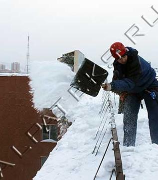 Очистка крыши от снега цены